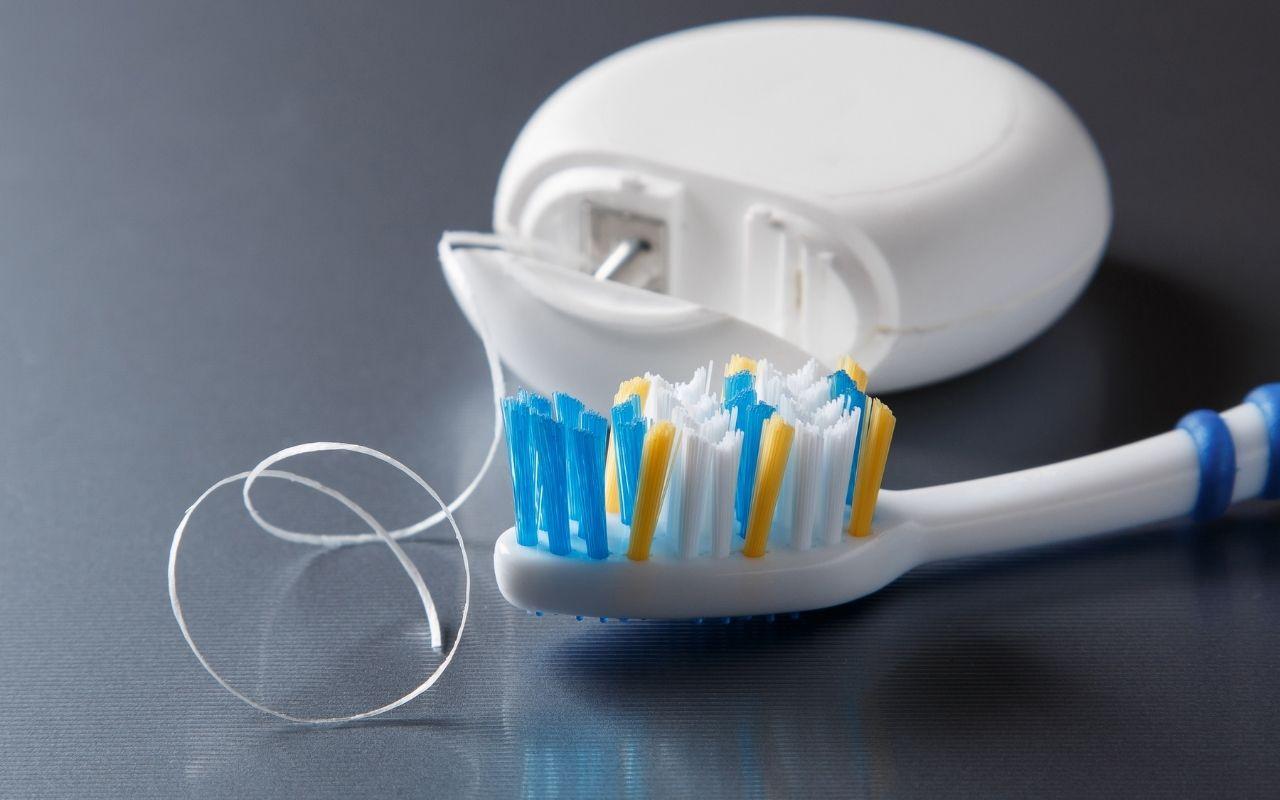 Personal-Dental-Care-Brush-and-Floss-Regularly-Bradford-Family-Dentistry